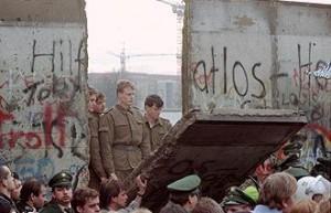 La iglesia evangélica en Alemania oriental y la caída del muro de Berlín