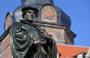 Lutero y su tiempo (1983)